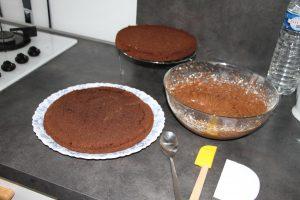 montage gâteau gravity cake