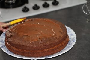ganache gateau gravity cake