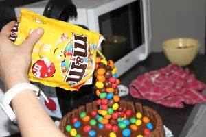 sachet gravity cake