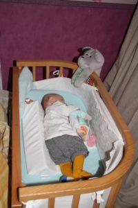 un cale b b adapt pour nos nouveaux n s baby sleep doomoo basics maman jusqu 39 au bout des. Black Bedroom Furniture Sets. Home Design Ideas