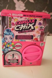 capsule chix poupée à collectionner