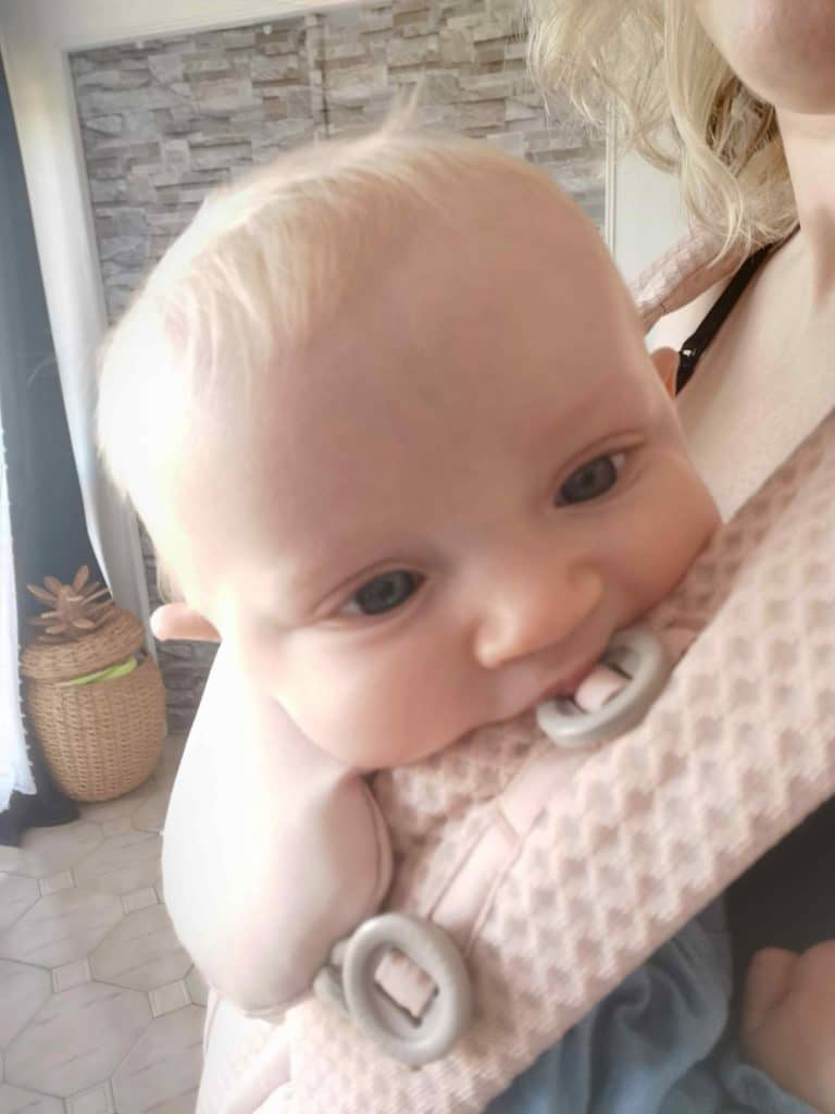 porte bébé omni breeze ergobaby
