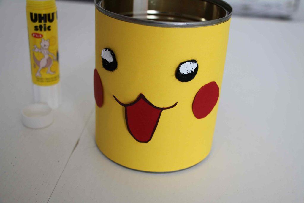 DIY pot à crayon Pokémon UHU
